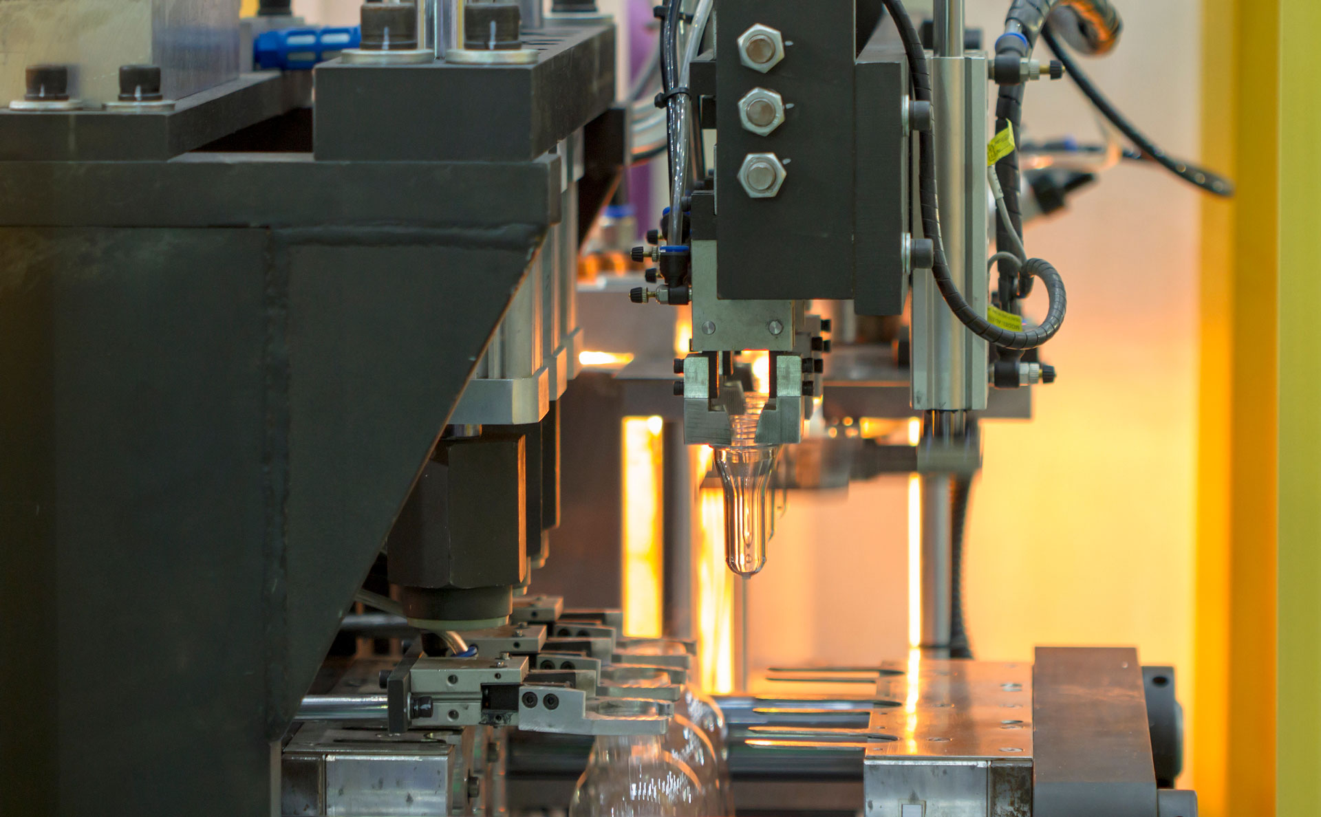 Injection moulding process executed at the expert plastic mould manufacturing company in India